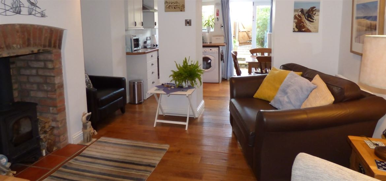 Pebble Cottage - Pakefield - Living Room