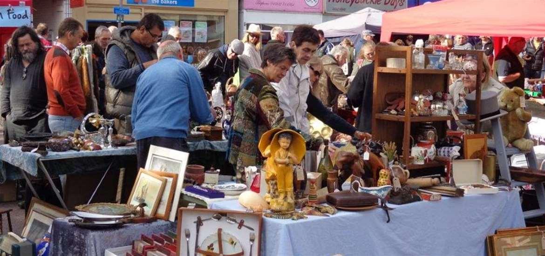 Antiques Markets