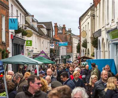 Woodbridge's Mammoth Christmas Street Fair 2016