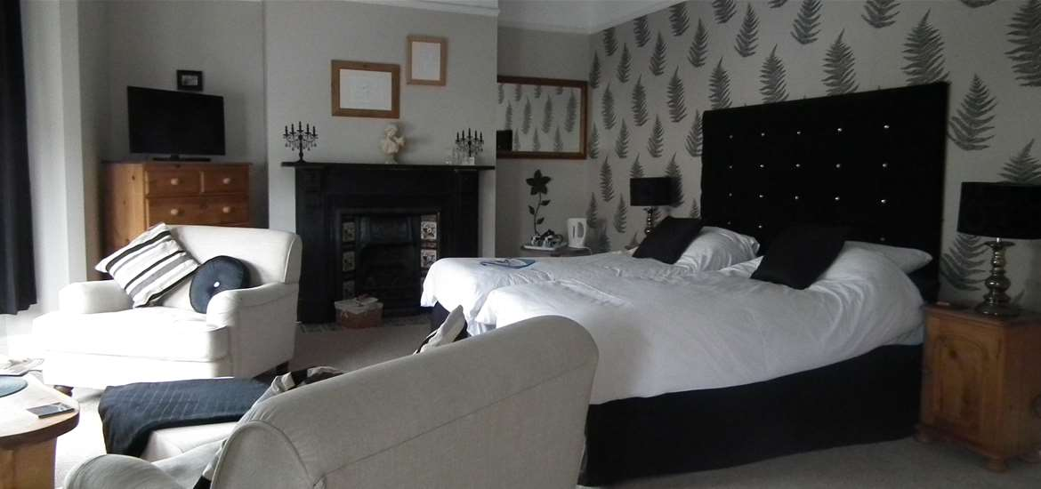 Chiltern House Bed and Breakfast - Bedroom 3 - Lowestoft - Where to Stay