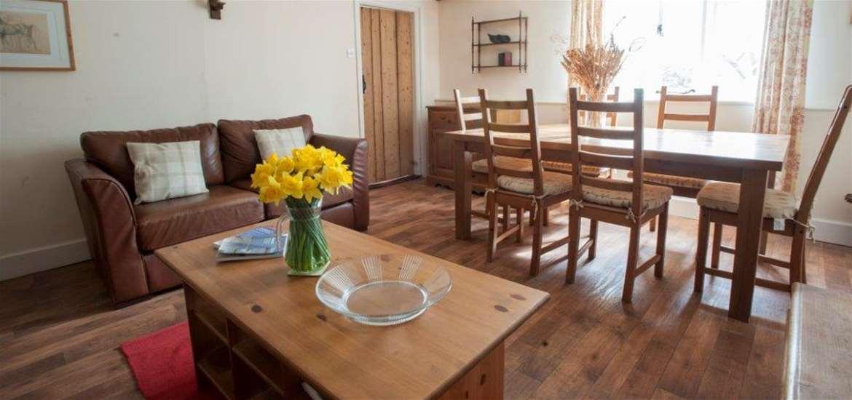 Easton Farm Park Cottages - Dining Room