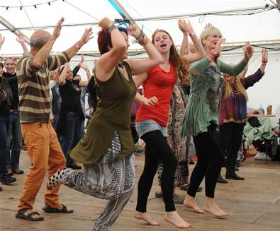 FolkEast-2014-photo-by-Kathy-Baxendale-dancers