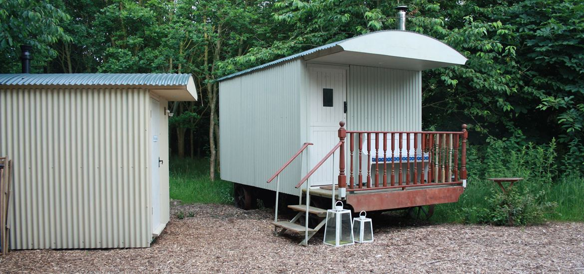 Shepherd's Hut - Kenton Hall Estate - Accomodation