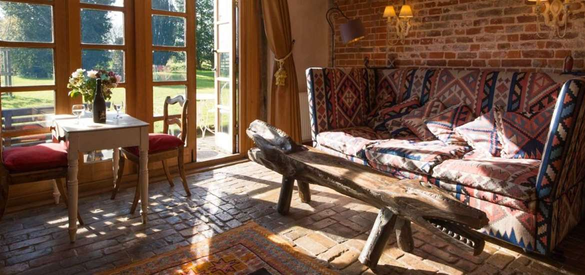 The Grove Cottages - Living Room - Accommodation