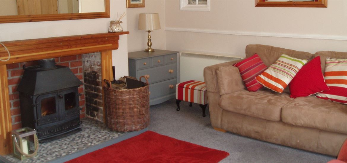 The Old Post Office - Geldeston - Living Room