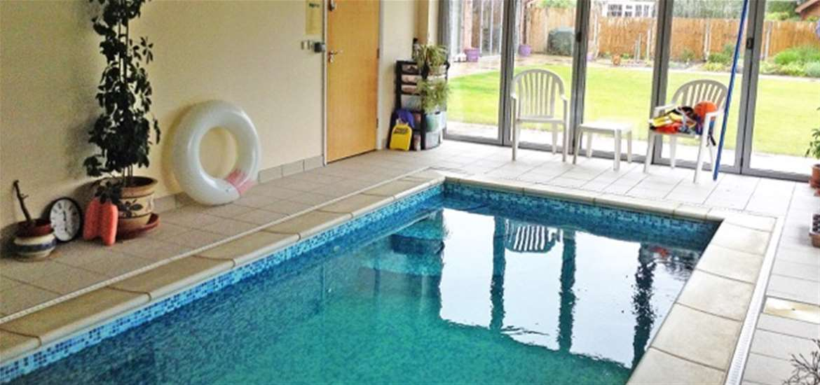 Indoor Pool - Heath View Holidays - Where to Stay