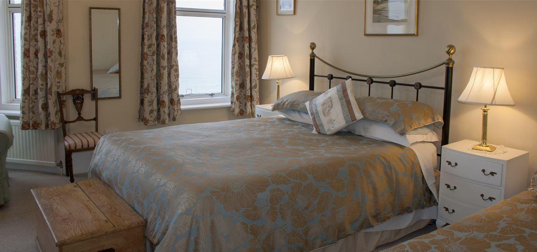 Bedroom  - Amber House - Accomodation