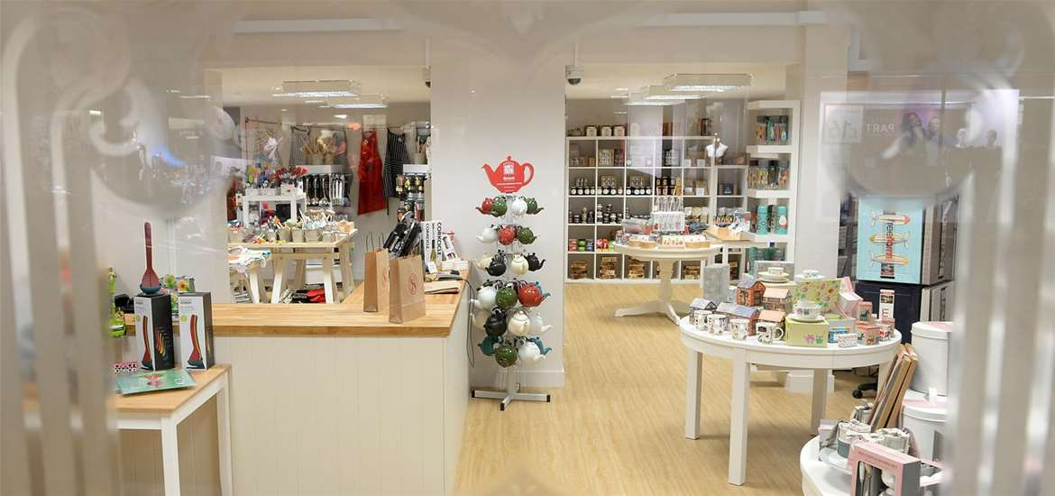 Things to Do - Shopping - Ruby & Scarlet - Shop Interior