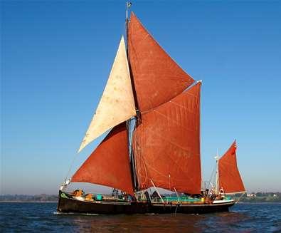 Suffolk Cream Tea Barge..