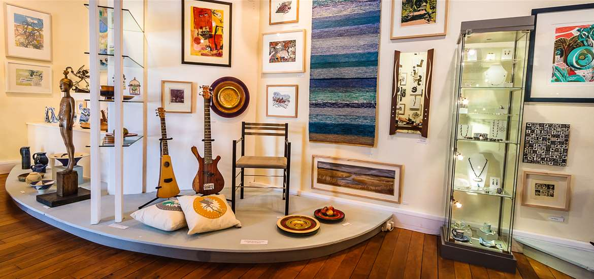 Things to Do - Attractions - Suffolk Craft Society - Textiles