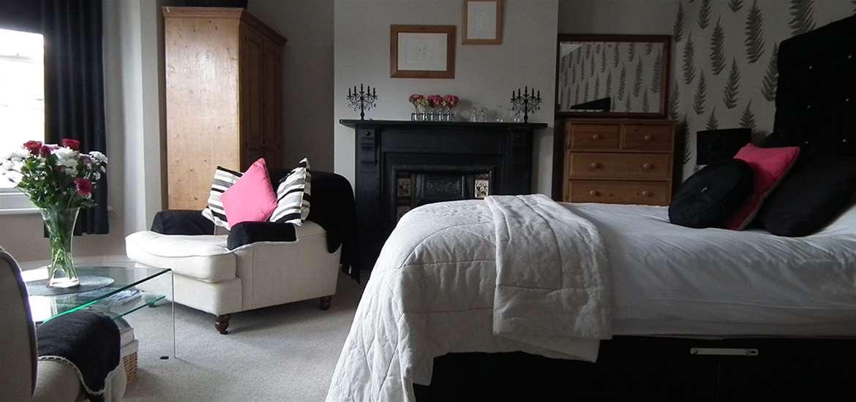 WTS - Chiltern House B&B - Bedroom 2