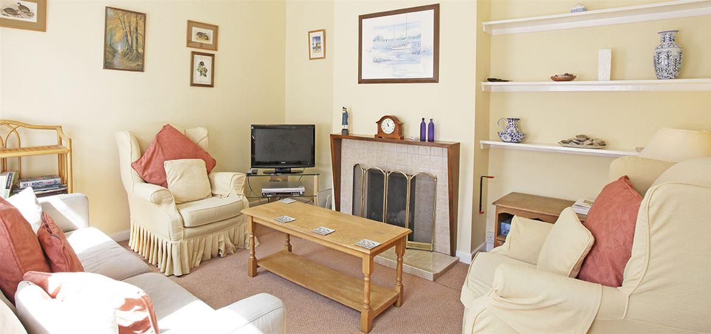Horseshoe Cottage Living Room