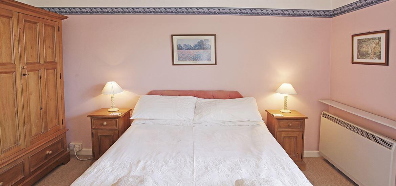 Horseshoe Cottage Bedroom