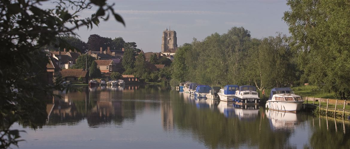 Beccles - Towns and Villages - River Waveney - (c) Peter Eyles