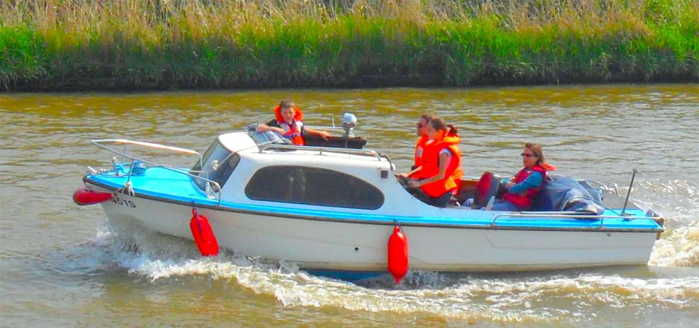 Oulton Dayboats