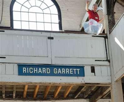 Michael Portillo meets The Garretts!