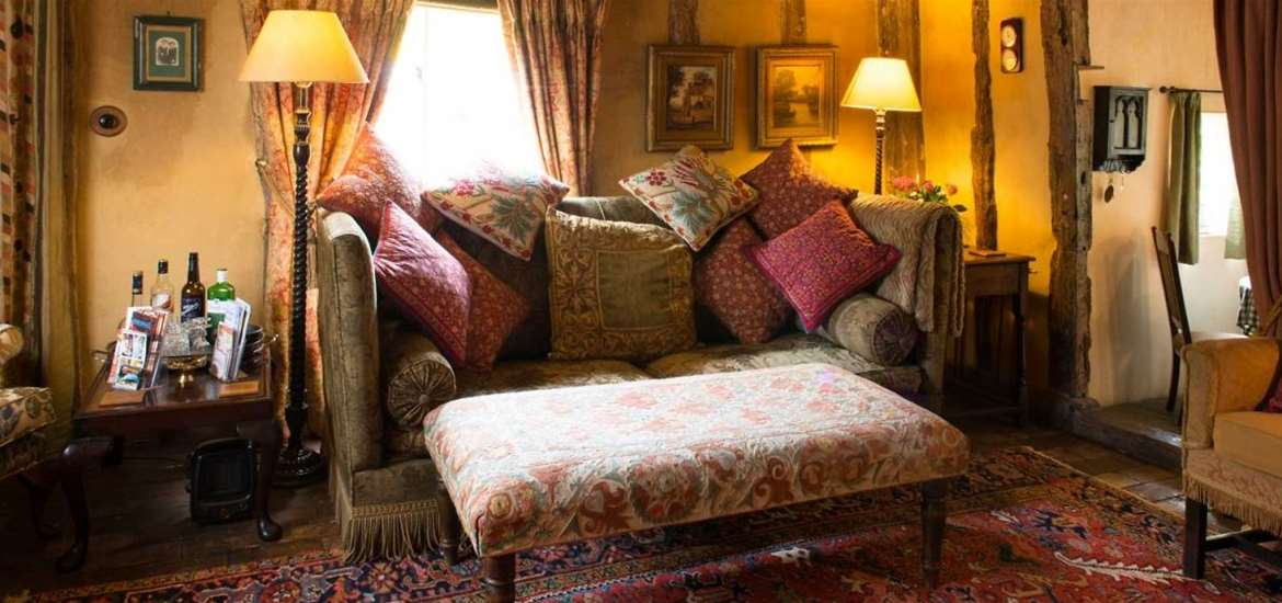 The Grove Cottages - Sitting Room - Accommodation