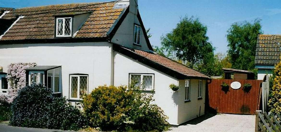 Treacle Pot Cottage - Exterior - Where to Stay