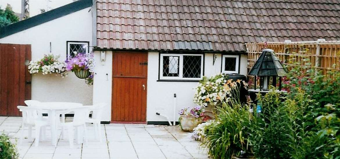 Treacle Pot Cottage - Garden - Where to Stay