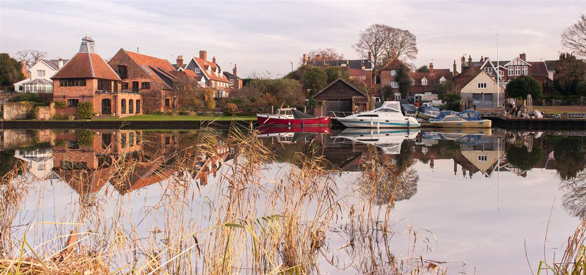 Articles - 5 Reasons to Visit Beccles - River Waveney