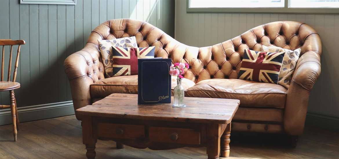 WTS - The White Horse Hotel - Sofa