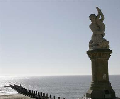 Towns & Villages - Lowestoft - Triton statue