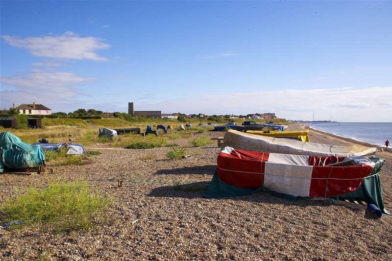 Towns & Villages - Pakefield - beach (c) Jon Gibbs