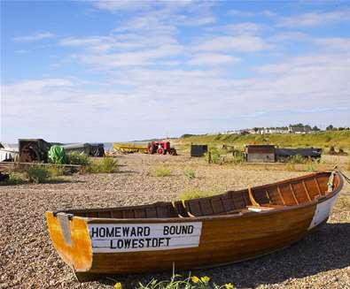 Towns & Villages - Pakefield - Boat on beach (Jon Gibbs)