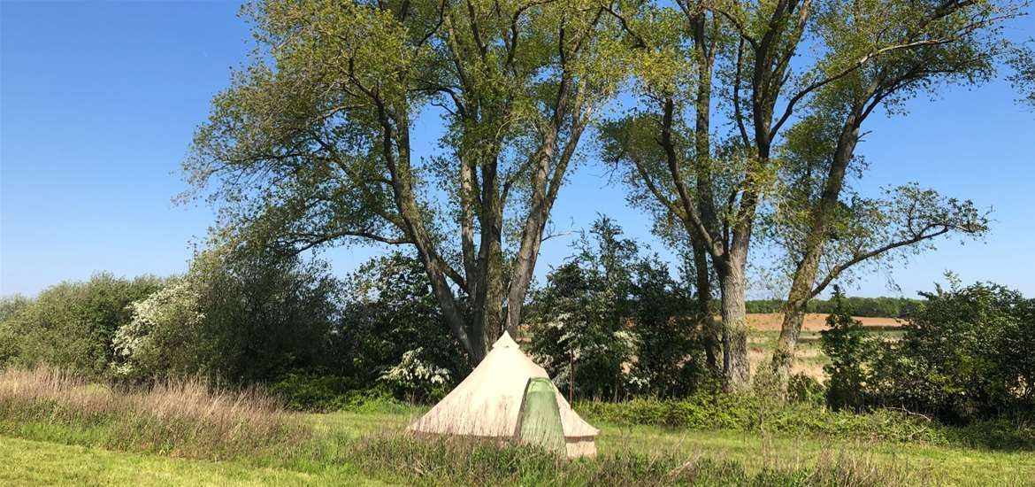 WED - Wild Riverside Camping - Tent