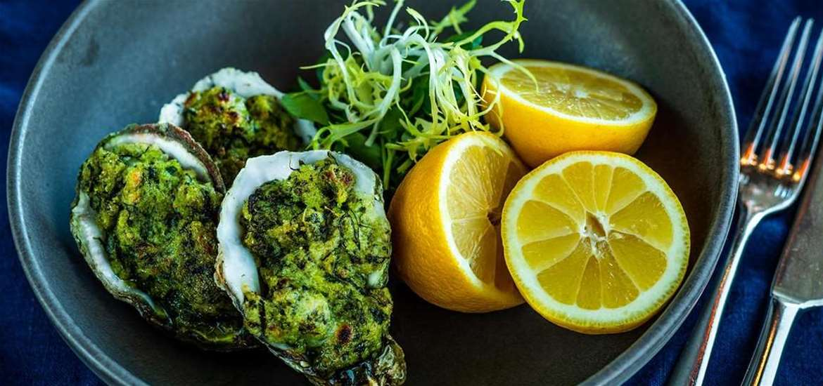 FD - The Brudenell Seafood & Grill - Shellfish with lemons
