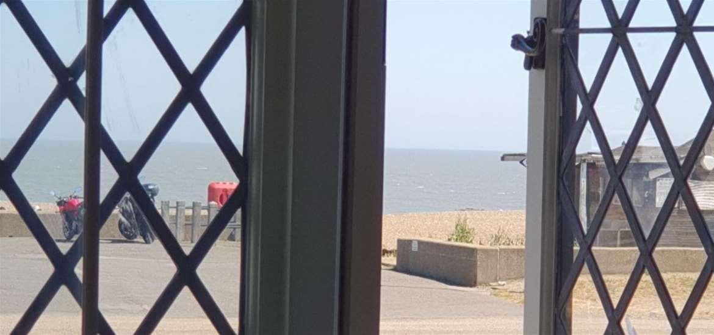WTS - The Mill Inn - Sea view