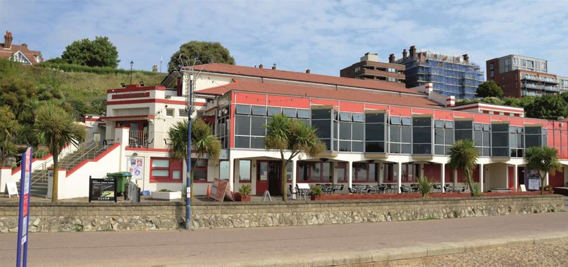 FD - Felixstowe Spa The Lounge & The Terrace - Front