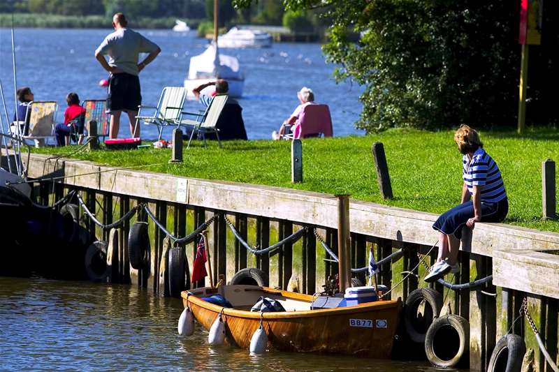 Towns & Villages - Oulton Broad  - sitting by river