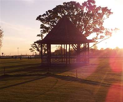 Towns & Villages - Oulton Broad - band stand