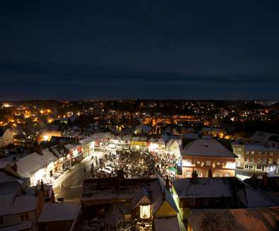 Woodbridge Christmas Light switch on