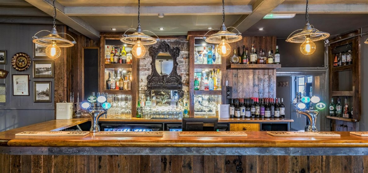 The bar at The Westleton Crown