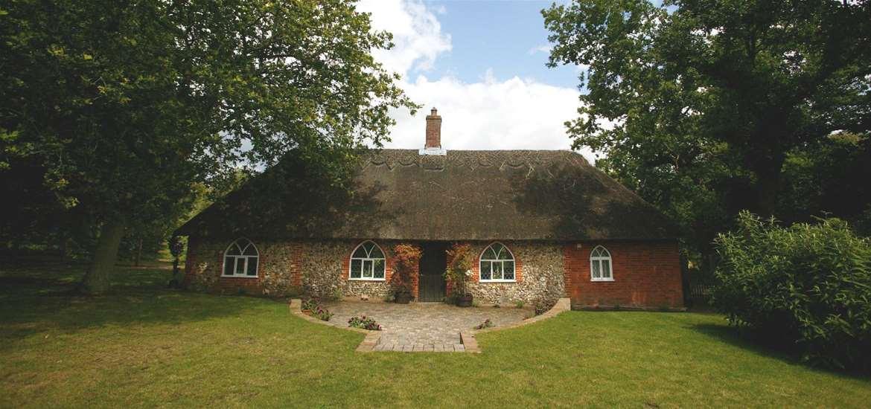 Weddings - Wantisden Park - Shepherds Cottage