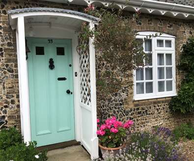 Celebrate Summer with Late Availability, Price Reductions and a free bottle of Summer Fizz at All Seasons Cottage Breaks