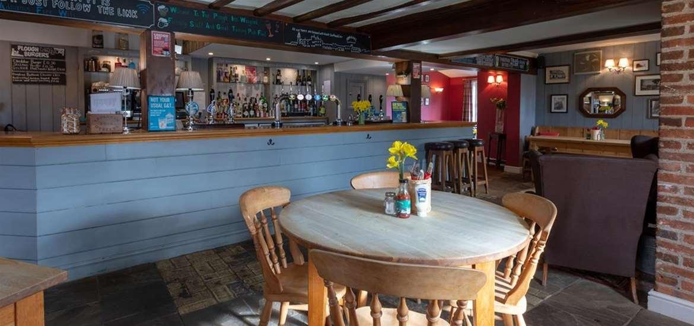 WTS - The Plough Inn Wangford - Plough bar