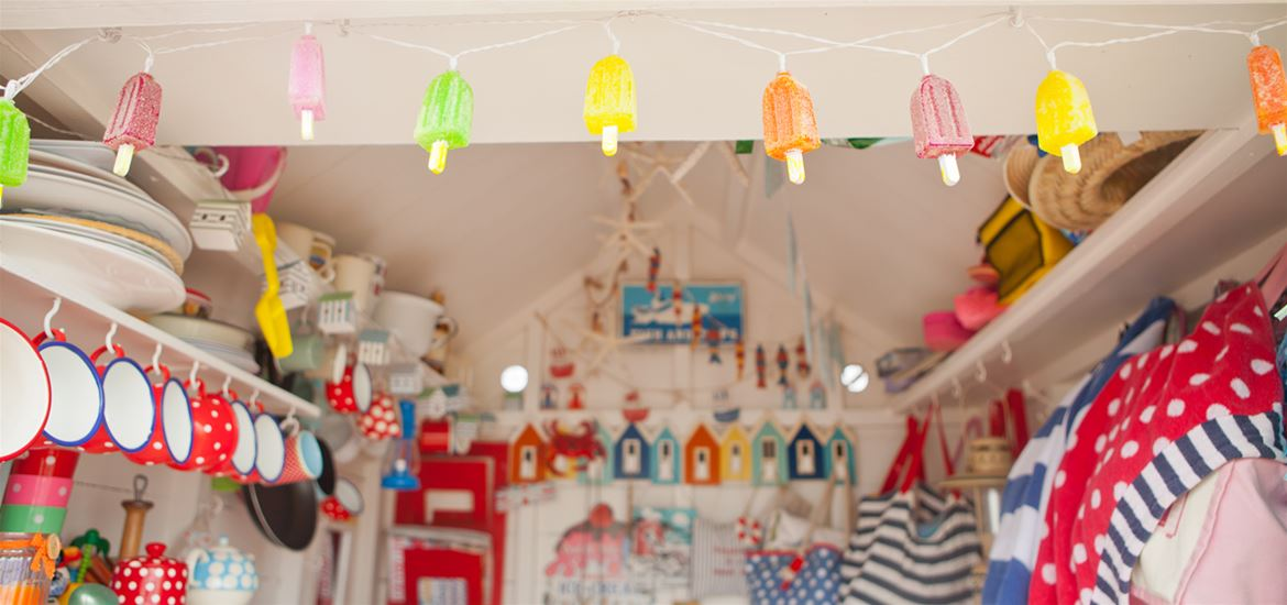 Beach Hut Heaven - Interior