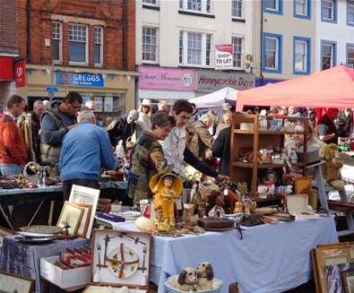 Towns & Villages - Beccles - Antiques market