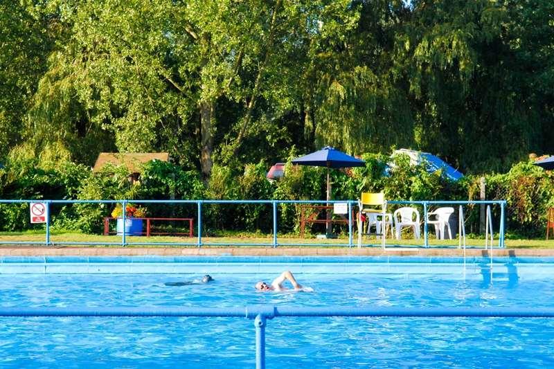 TTDA - Beccles Lido - person swimming