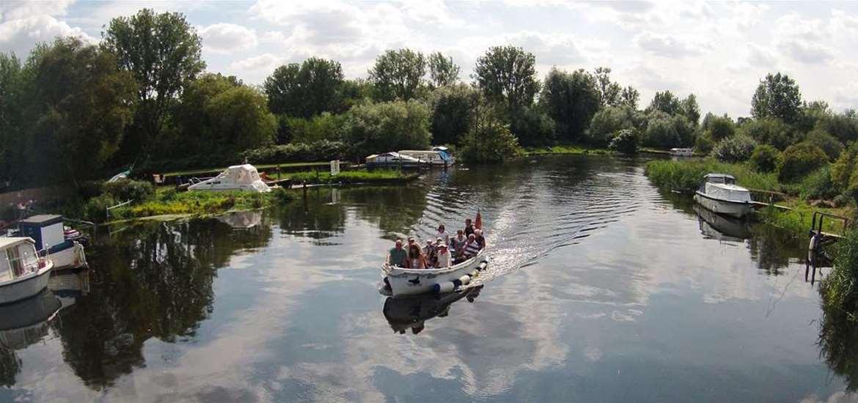 TTDA - Big Dog Ferry - River Trip on the Waveney