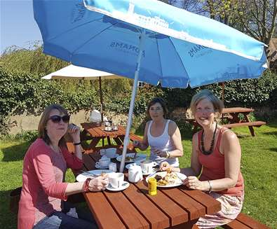 Breakfast in the Sun at the Sorrel Horse
