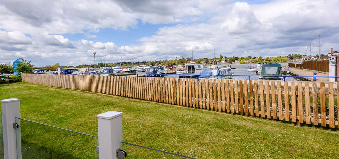 Broadlands Park & Marina View