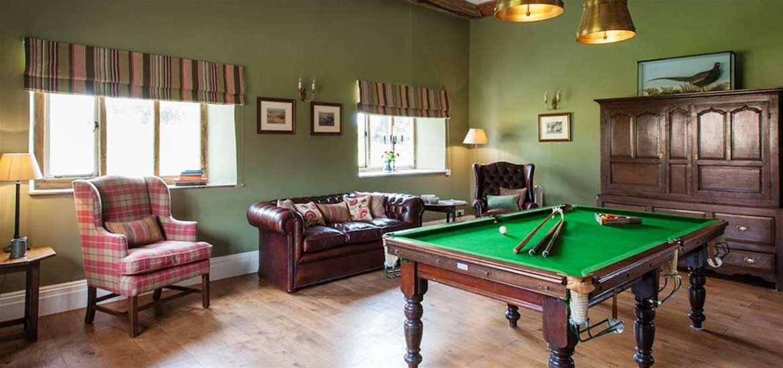 WTS - Bruisyard Hall - Snooker room
