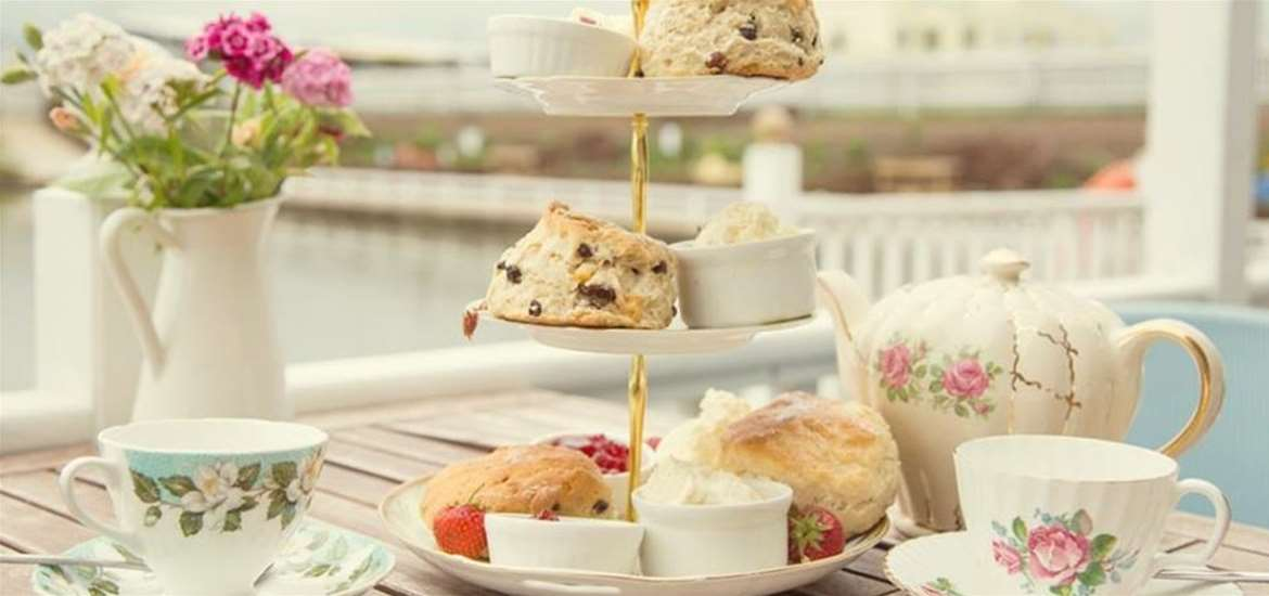 FD - Southwold Boating Lake - Cream tea