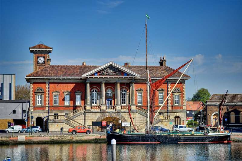 Towns & Villages - Ipswich - Old Customs House