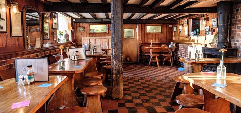 FD - The Harbour Inn - Harbour lower bar