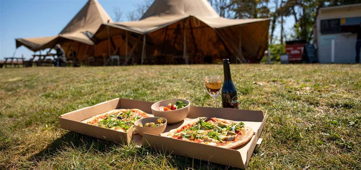 FD - Eat at Snape Maltings - Tipis and pizza